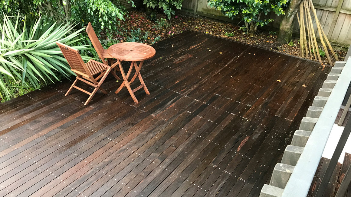 Paths, Driveways, Decks, Walls & Pool Area Cleaning